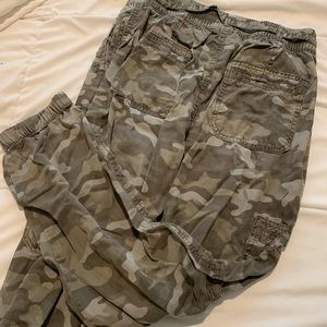 American Eagle Outfitters Pants & Jumpsuits - American Eagle Camo Joggers